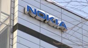 Nokia reporta pérdidas que la dejan al borde del abismo.