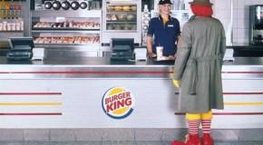 """¡Cómo pedir una orden de hamburguesa y papas al estilo """"Fuck Yeah""""! [VIDEO]"""