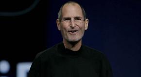 """¡El fin de una era! Steve Jobs pone su """"renuncia inmediata"""" como CEO de Apple."""