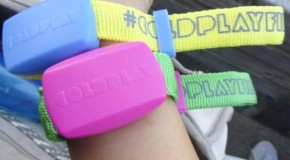Coldplay y sus Xylobands: Una idea no tan colorida